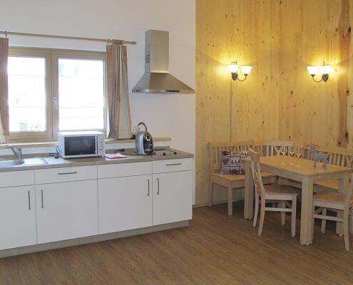 Hotel Garni Almenrausch & Edelweiß in Garmisch-Partenkirchen, Almenrausch und Edelweiss, Lage, Umgebung, Freizeit, Appartements, Appartement, Kochgelegenheit