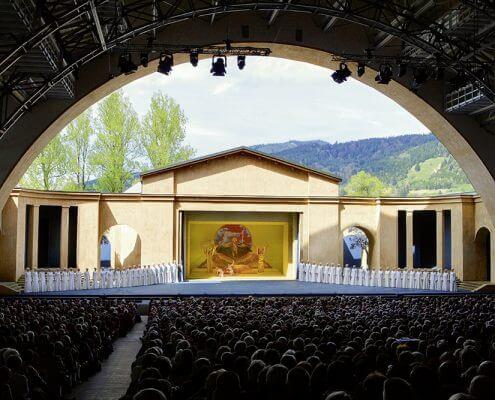 Hotel Garni Almenrausch & Edelweiß in Garmisch-Partenkirchen, Almenrausch und Edelweiss, Lage, Umgebung, Freizeit, Passionstheater Oberammergau