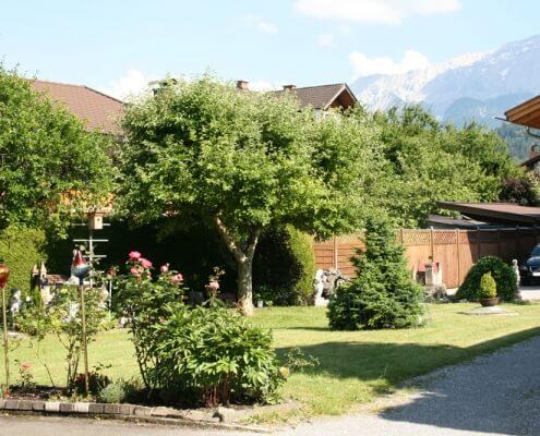 Hotel Garni Almenrausch & Edelweiß in Garmisch-Partenkirchen, Almenrausch und Edelweiss, Garten